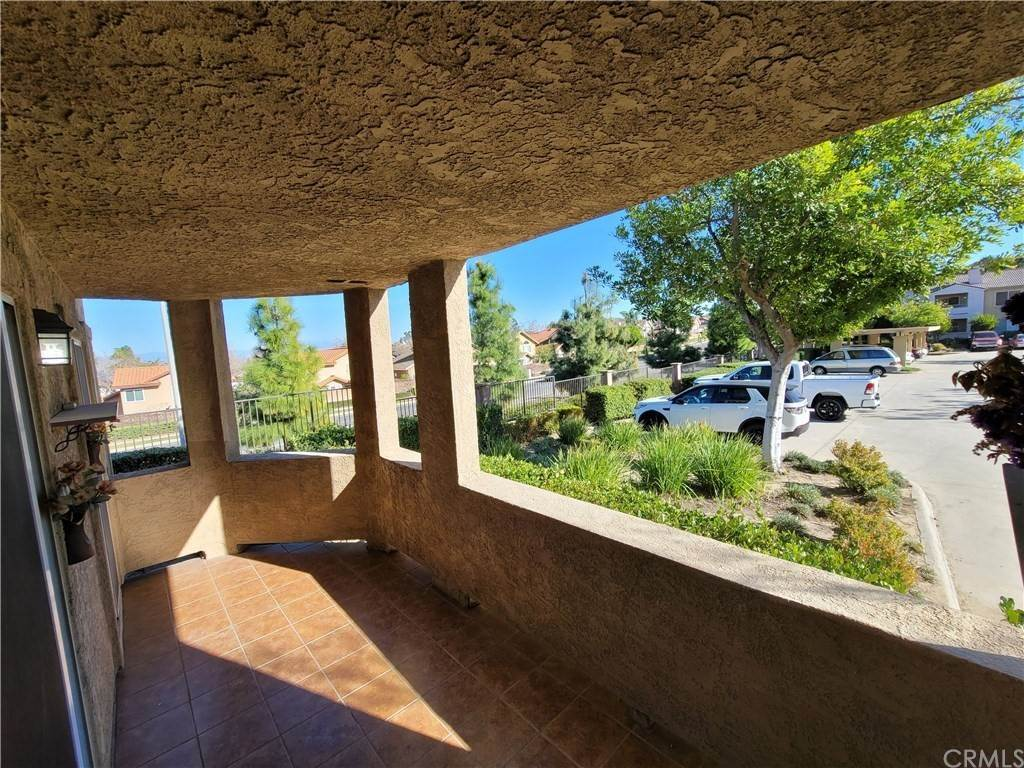 18. Residential for Sale at Del Mar Way Corona, California 92882 United States