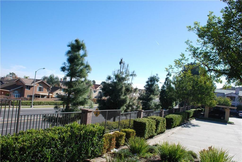 21. Residential for Sale at Del Mar Way Corona, California 92882 United States