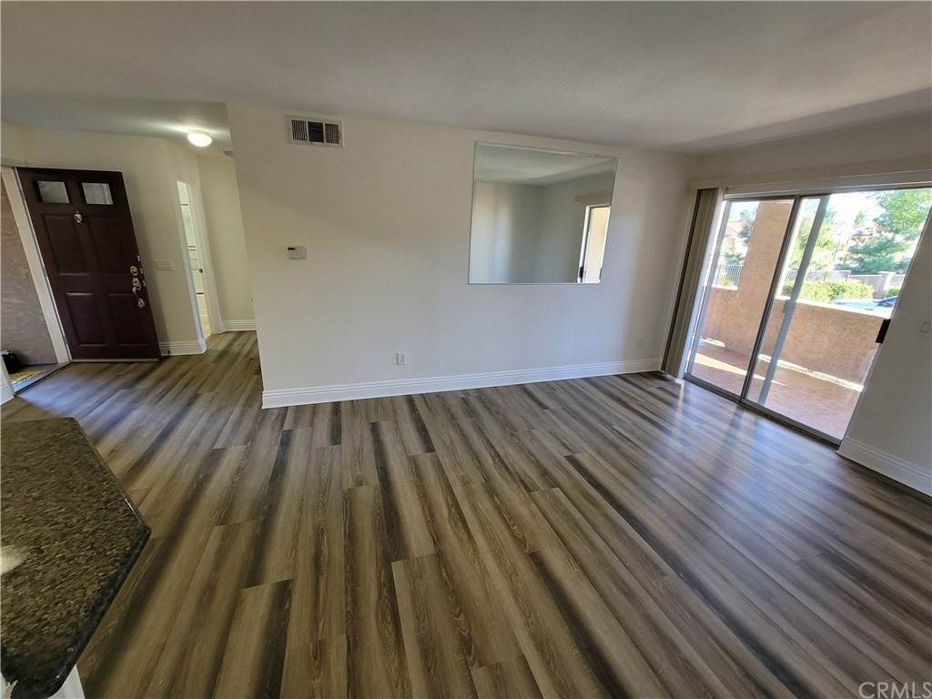 8. Residential for Sale at Del Mar Way Corona, California 92882 United States