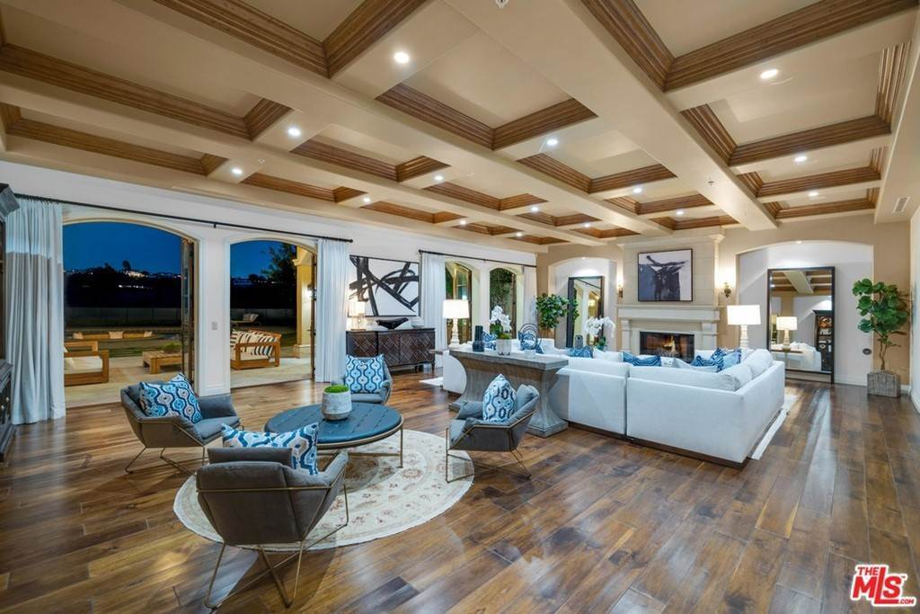 Residential for Sale at Stratford Circle Los Angeles, California 90077 United States
