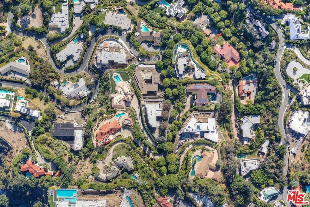 Land for Sale at Laurel Way Beverly Hills, California 90210 United States
