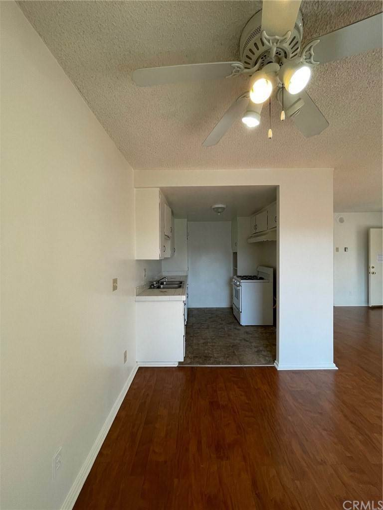 7. Residential Lease at S El Molino Avenue Pasadena, California 91101 United States