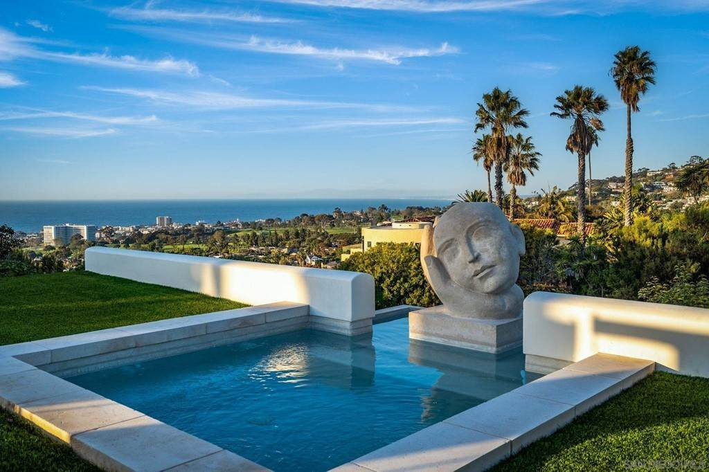Residential for Sale at Muirlands Drive La Jolla, California 92037 United States