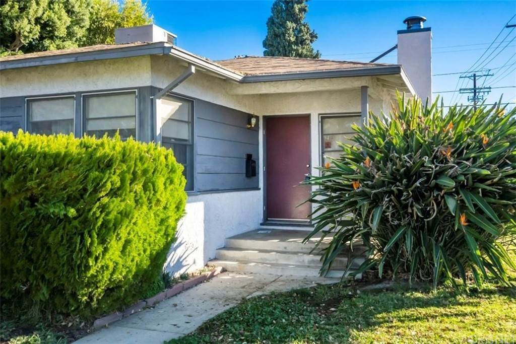 Residential for Sale at Genesta Avenue Lake Balboa, California 91406 United States