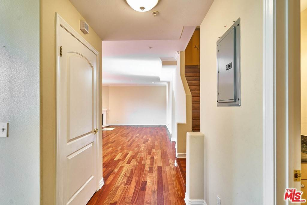 Residential Lease at Honolulu Avenue Montrose, California 91020 United States