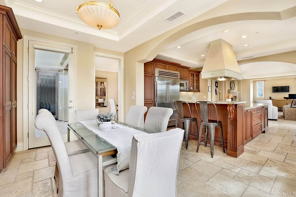 18. Residential for Sale at Castillo Del Mar Dana Point, California 92624 United States