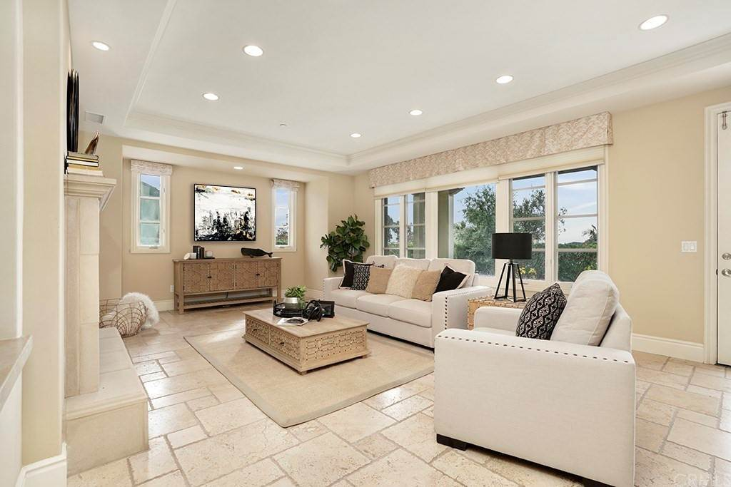 21. Residential for Sale at Castillo Del Mar Dana Point, California 92624 United States