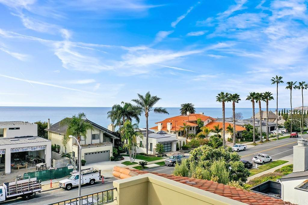 40. Residential for Sale at Castillo Del Mar Dana Point, California 92624 United States