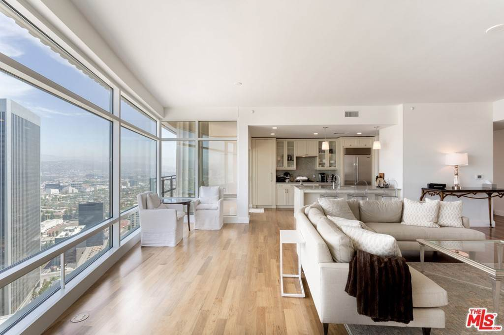 3. Residential Lease for Sale at W CENTURY Drive Los Angeles, California 90067 United States