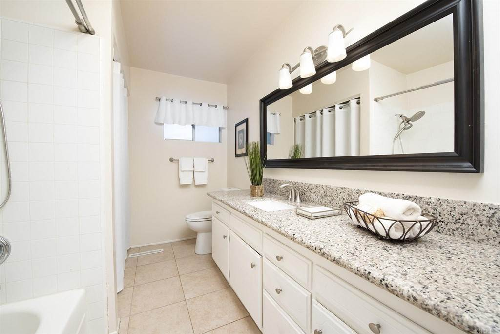 13. Residential for Sale at Vista Campana S Oceanside, California 92057 United States