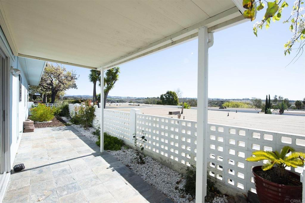 15. Residential for Sale at Vista Campana S Oceanside, California 92057 United States