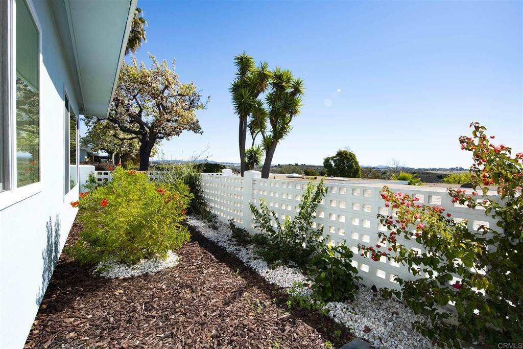 16. Residential for Sale at Vista Campana S Oceanside, California 92057 United States