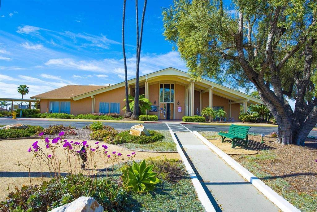 17. Residential for Sale at Vista Campana S Oceanside, California 92057 United States