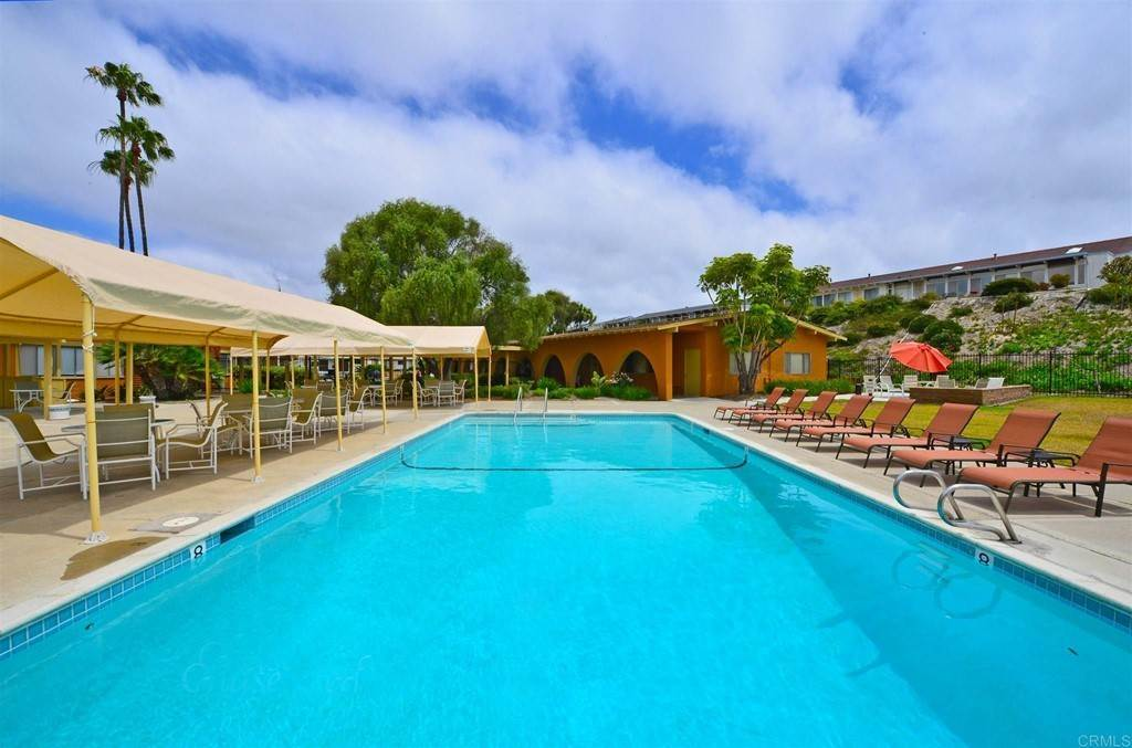 20. Residential for Sale at Vista Campana S Oceanside, California 92057 United States