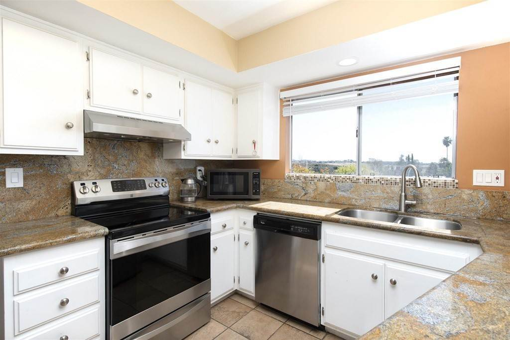 4. Residential for Sale at Vista Campana S Oceanside, California 92057 United States