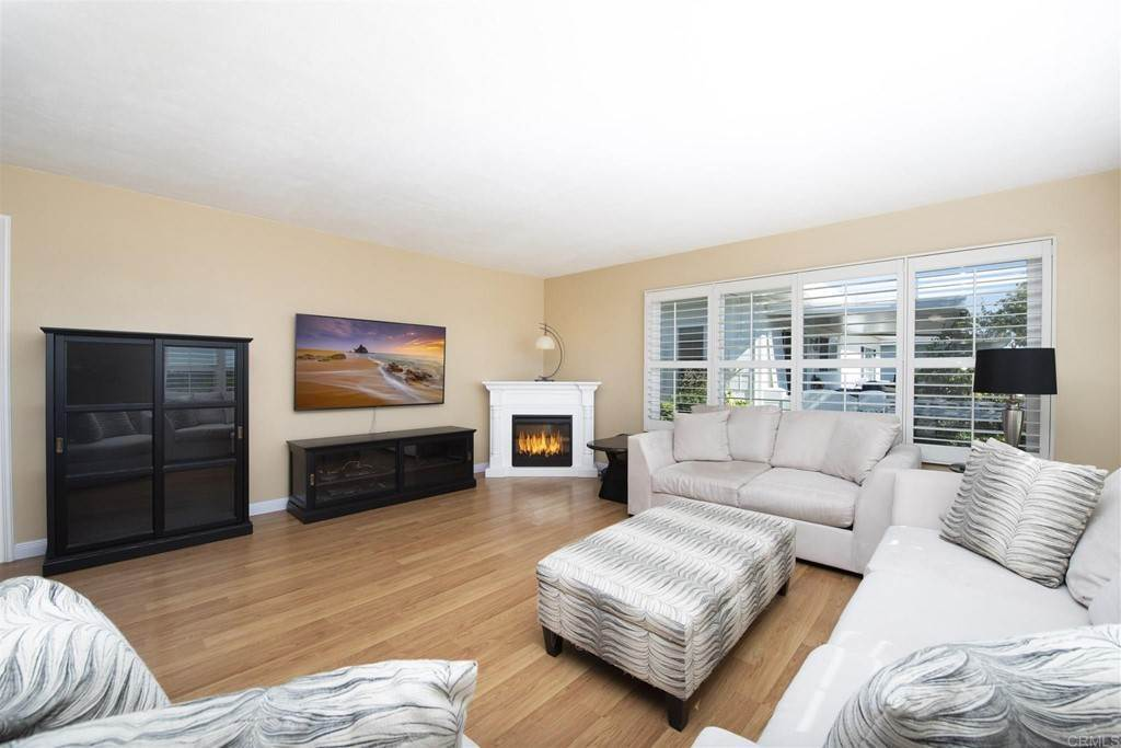 6. Residential for Sale at Vista Campana S Oceanside, California 92057 United States