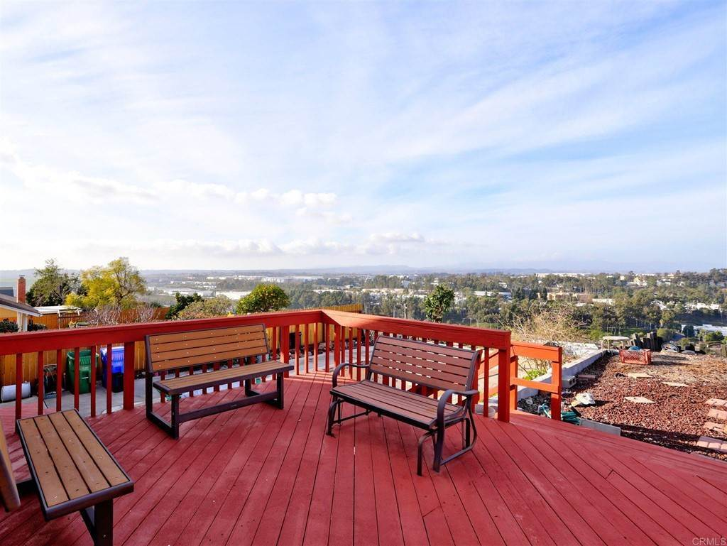 10. Residential for Sale at Wooster Oceanside, California 92056 United States