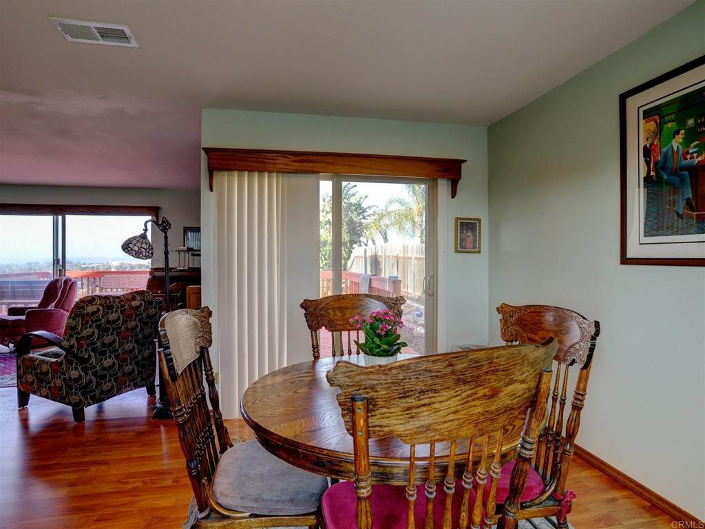 24. Residential for Sale at Wooster Oceanside, California 92056 United States