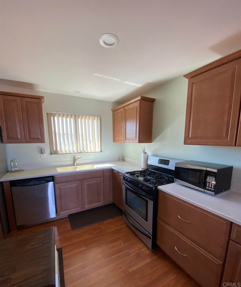 28. Residential for Sale at Wooster Oceanside, California 92056 United States