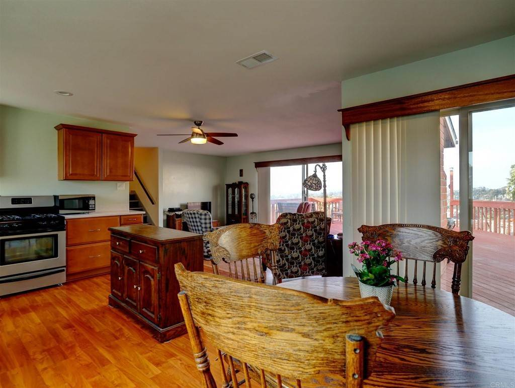 29. Residential for Sale at Wooster Oceanside, California 92056 United States