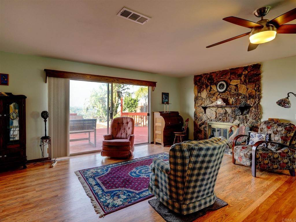 30. Residential for Sale at Wooster Oceanside, California 92056 United States