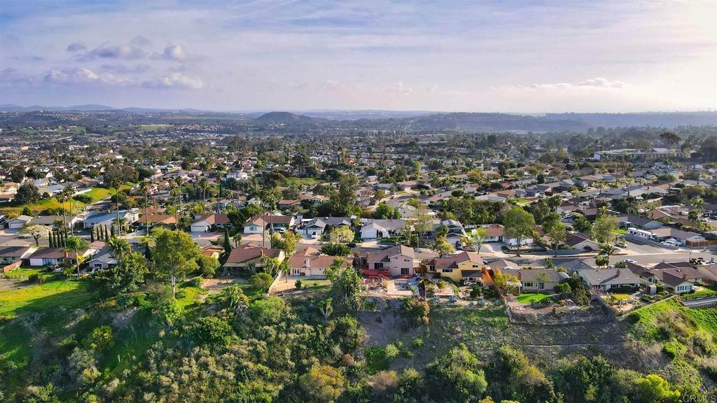 31. Residential for Sale at Wooster Oceanside, California 92056 United States