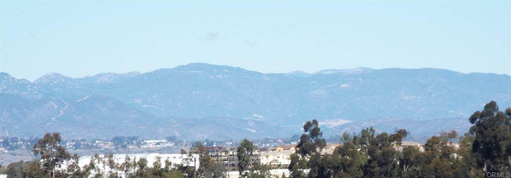 4. Residential for Sale at Wooster Oceanside, California 92056 United States