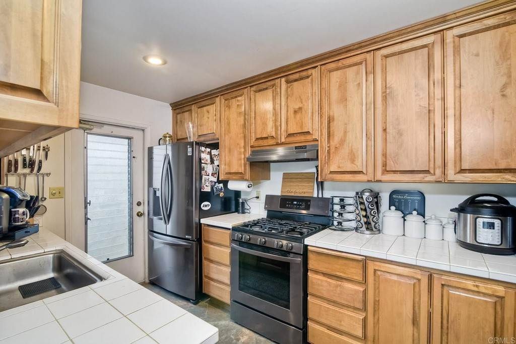 13. Residential for Sale at La Linda Drive San Marcos, California 92078 United States