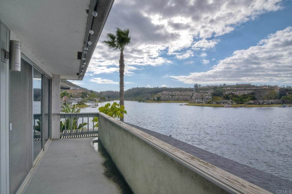 28. Residential for Sale at La Linda Drive San Marcos, California 92078 United States