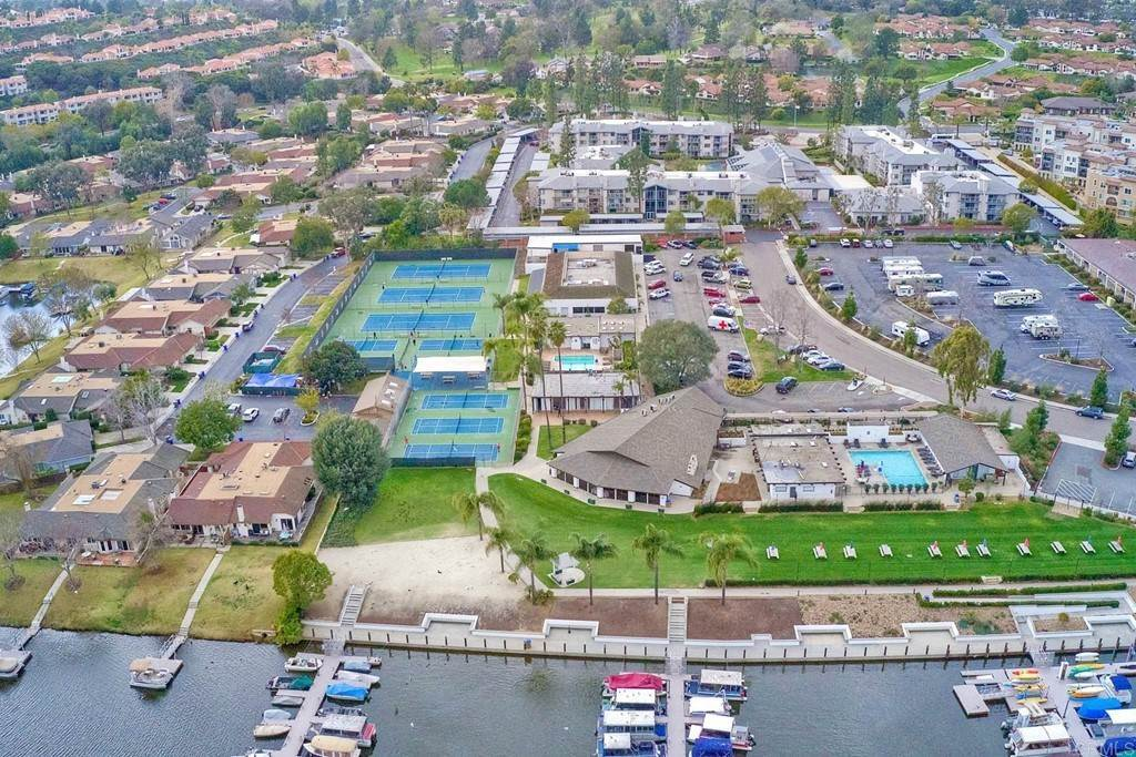 30. Residential for Sale at La Linda Drive San Marcos, California 92078 United States