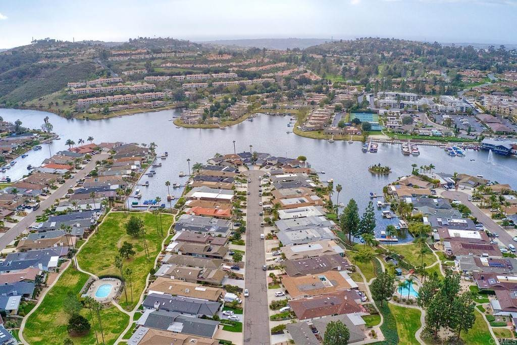 35. Residential for Sale at La Linda Drive San Marcos, California 92078 United States