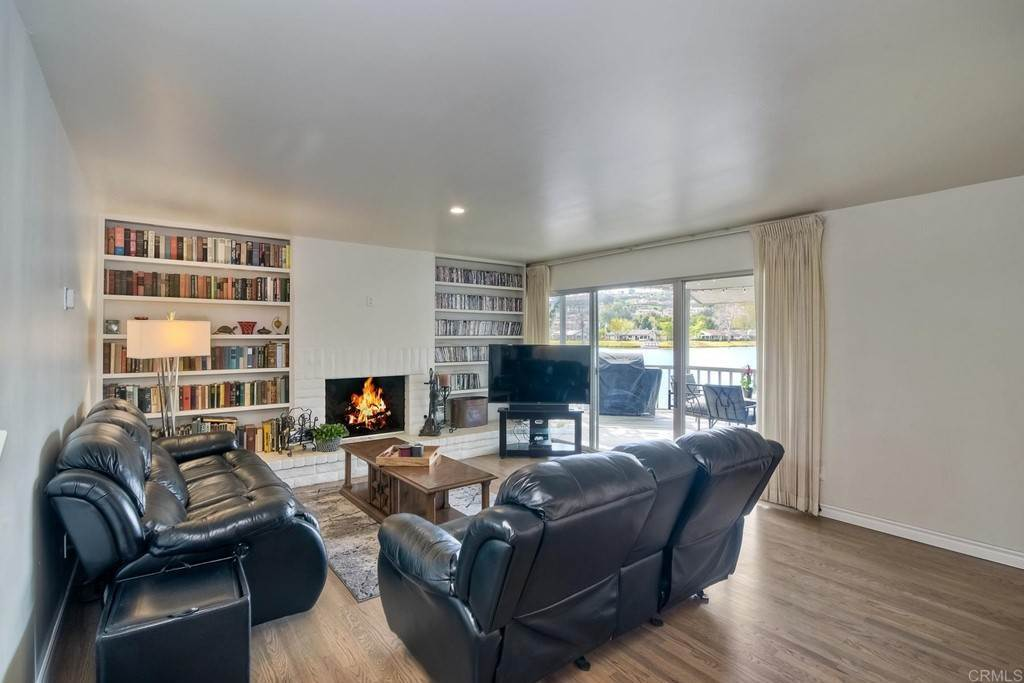 9. Residential for Sale at La Linda Drive San Marcos, California 92078 United States