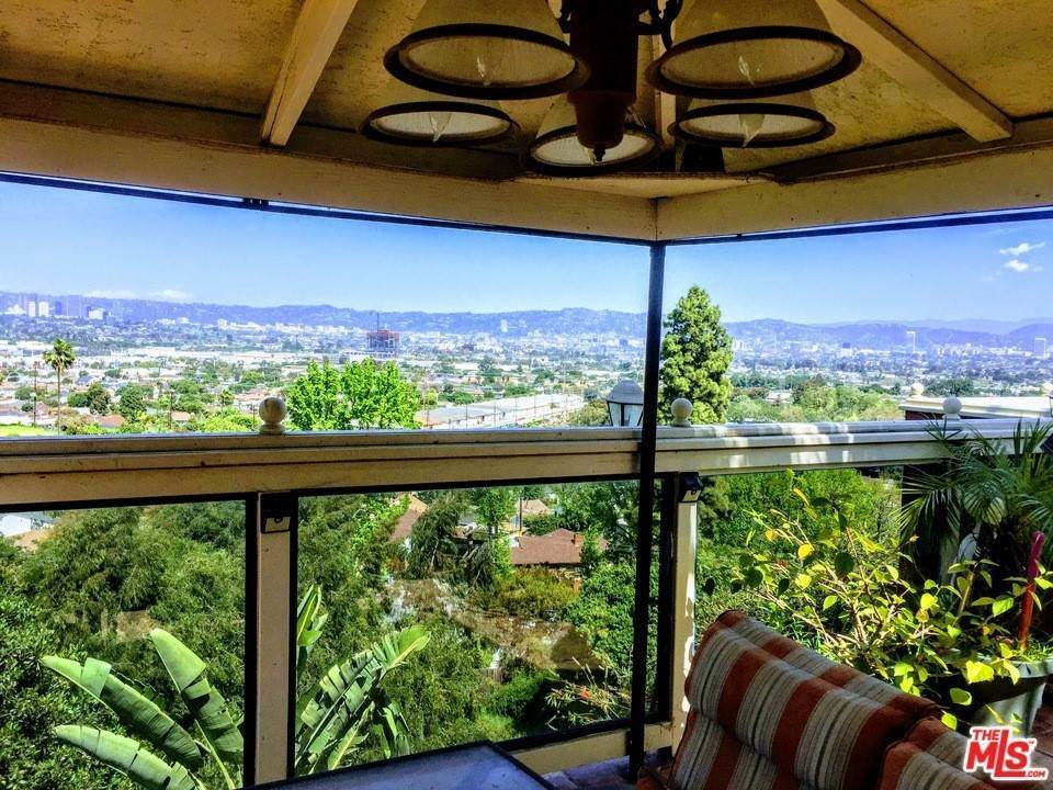 6. Residential for Sale at Weatherford Drive Los Angeles, California 90008 United States