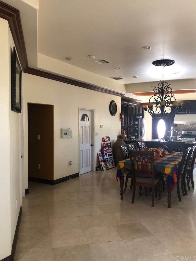 18. Residential for Sale at Cortland Avenue Paramount, California 90723 United States