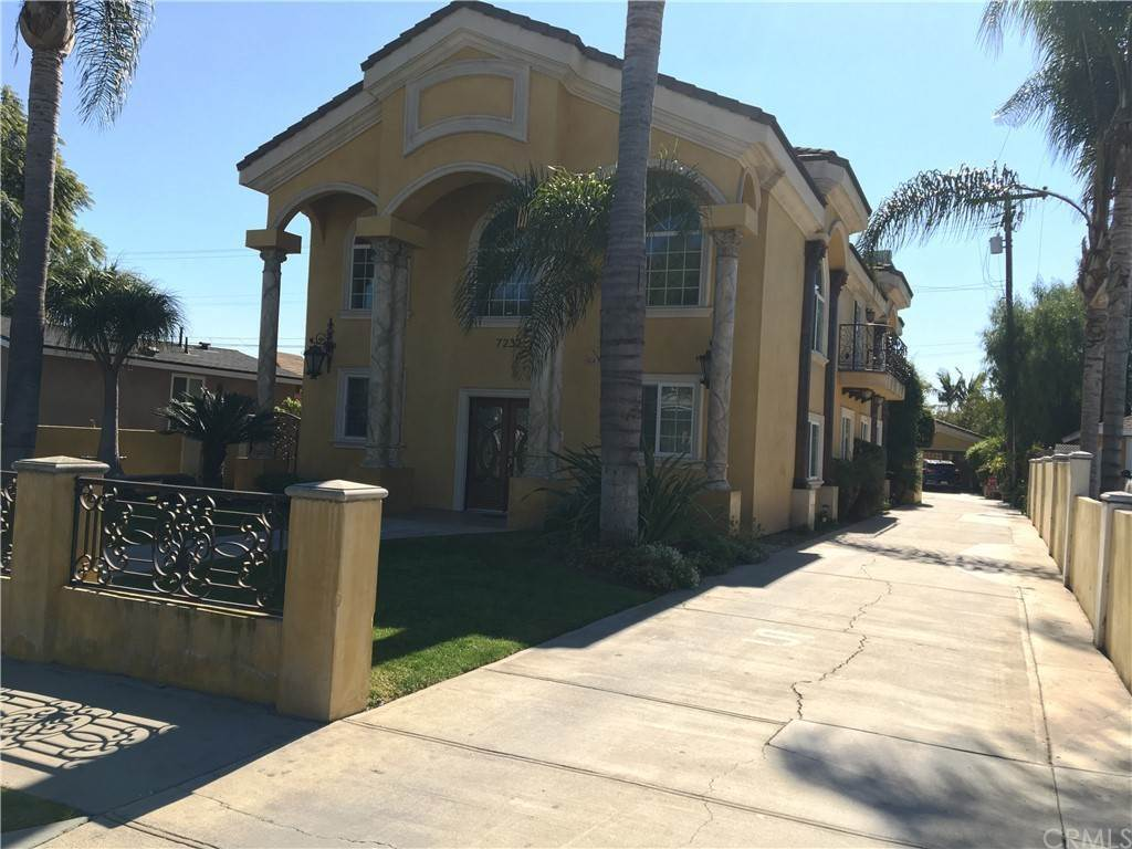 2. Residential for Sale at Cortland Avenue Paramount, California 90723 United States