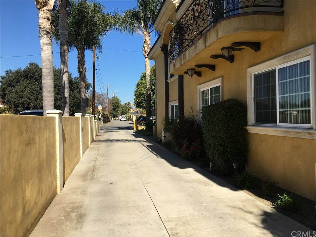 4. Residential for Sale at Cortland Avenue Paramount, California 90723 United States
