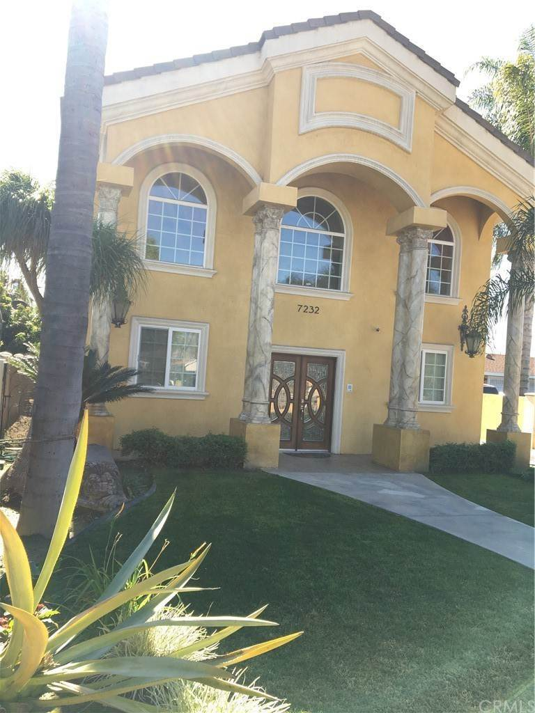 5. Residential for Sale at Cortland Avenue Paramount, California 90723 United States