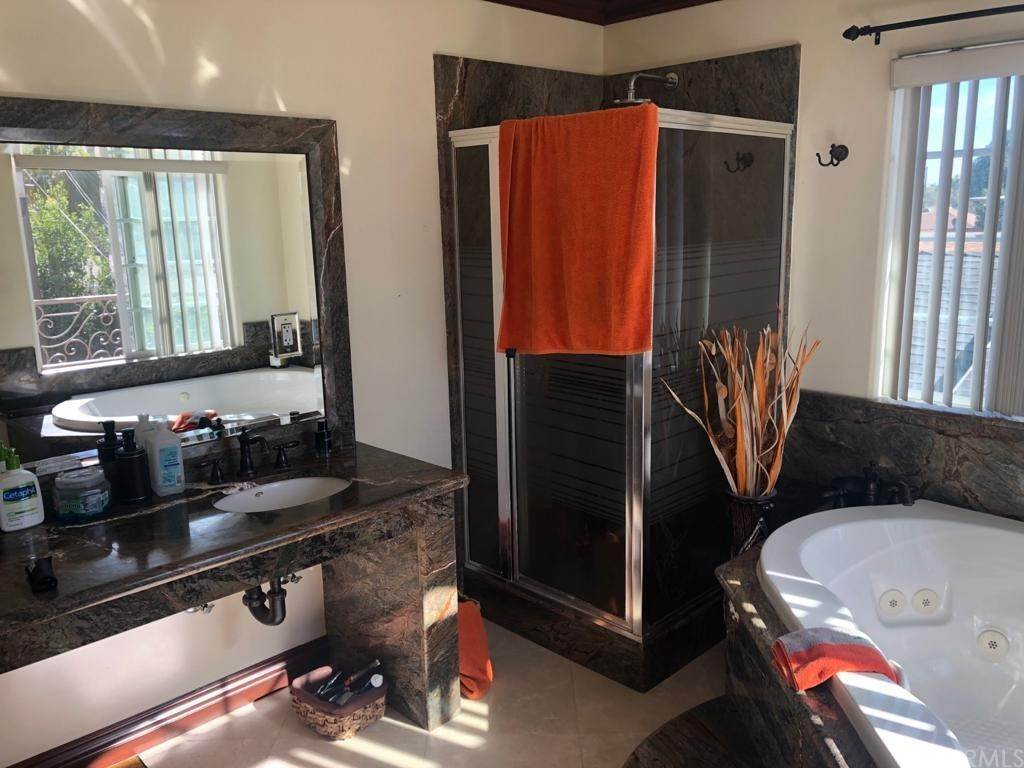 7. Residential for Sale at Cortland Avenue Paramount, California 90723 United States