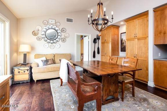 12. Residential for Sale at Camino Dos Rios Thousand Oaks, California 91360 United States