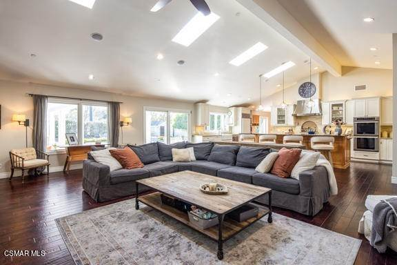 15. Residential for Sale at Camino Dos Rios Thousand Oaks, California 91360 United States