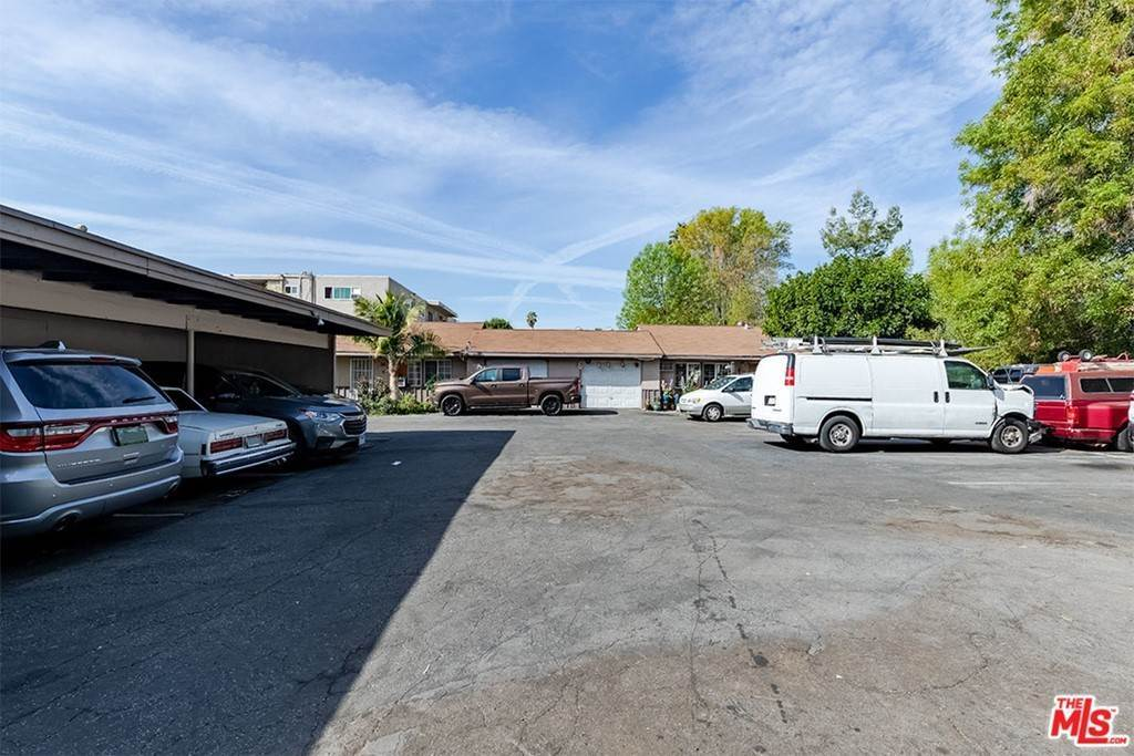 Residential Income for Sale at Oxnard Street Van Nuys, California 91401 United States
