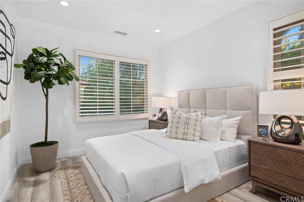 17. Residential for Sale at Cipresso Irvine, California 92618 United States