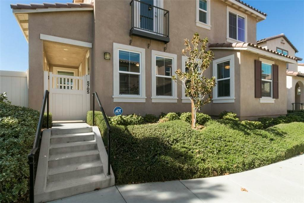 Residential for Sale at Ponta Way Riverside, California 92505 United States