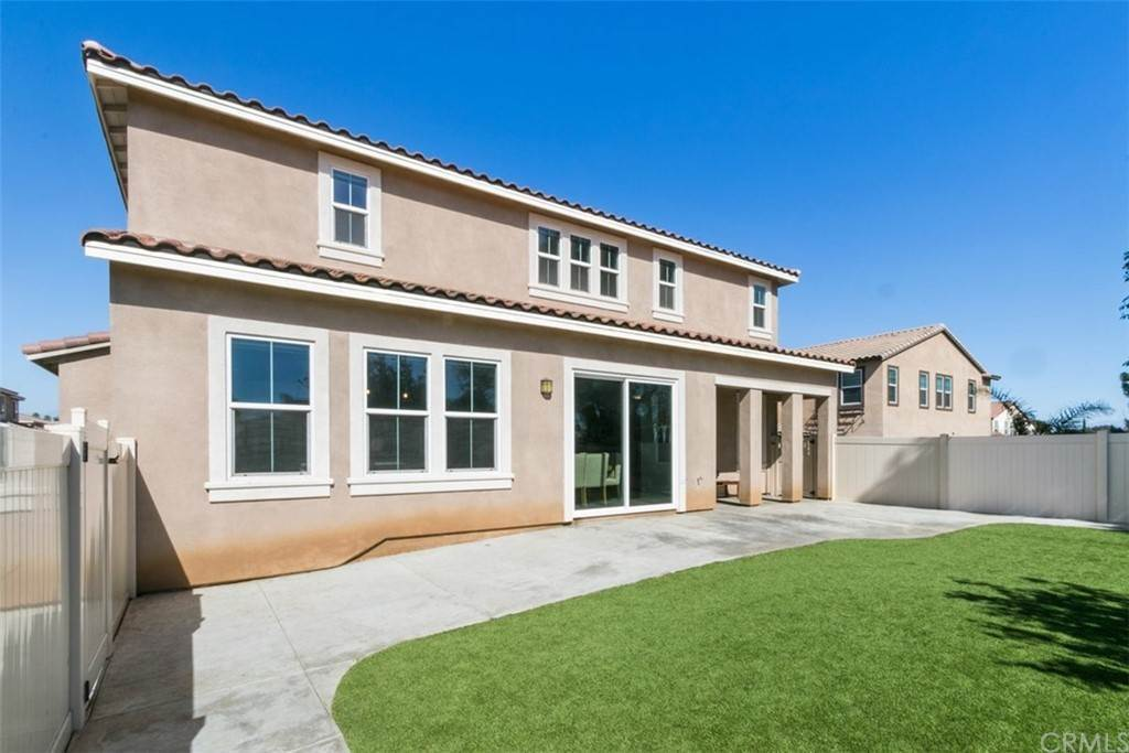 28. Residential for Sale at Ponta Way Riverside, California 92505 United States