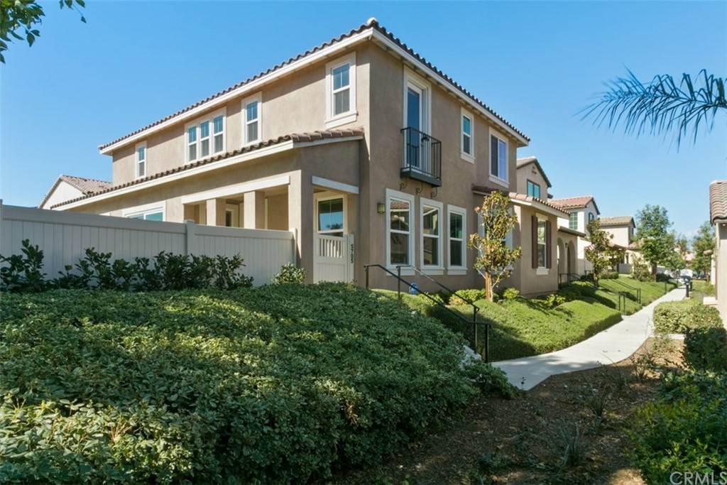 30. Residential for Sale at Ponta Way Riverside, California 92505 United States