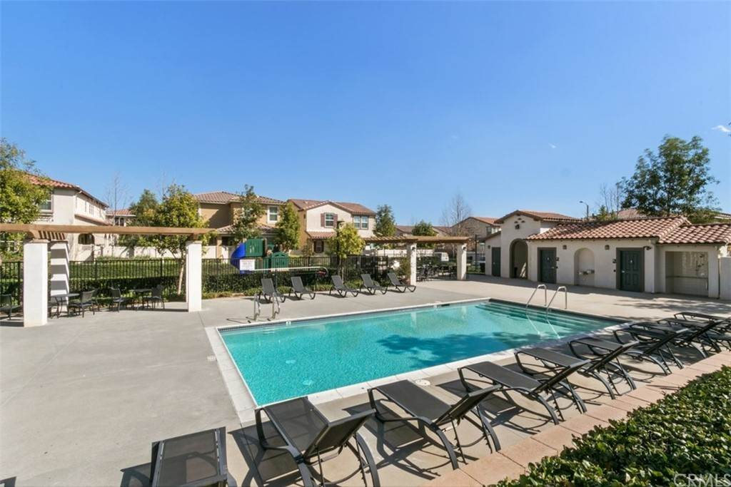 33. Residential for Sale at Ponta Way Riverside, California 92505 United States