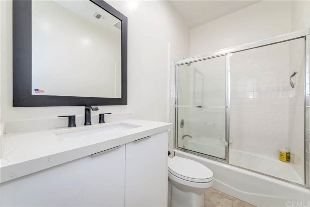 23. Residential for Sale at Goshen Avenue Los Angeles, California 90049 United States
