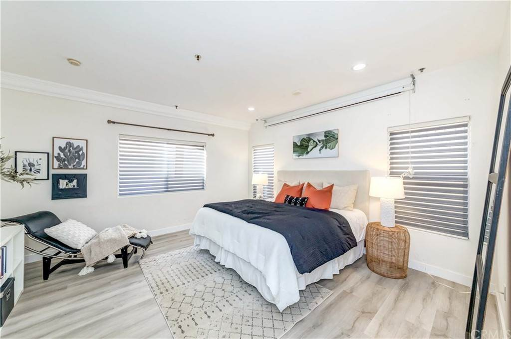 34. Residential for Sale at Goshen Avenue Los Angeles, California 90049 United States