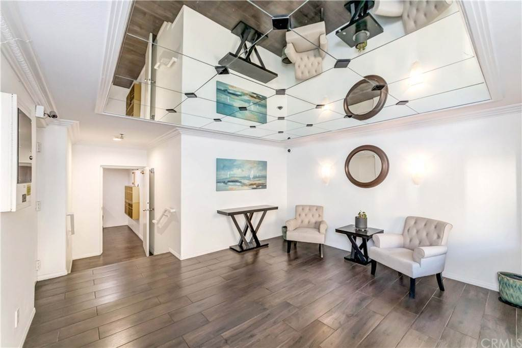 46. Residential for Sale at Goshen Avenue Los Angeles, California 90049 United States