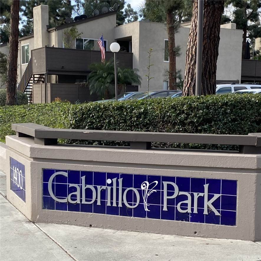 2. Residential for Sale at Cabrillo Park Drive Santa Ana, California 92701 United States